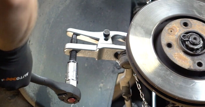 Changing of Track Rod End on PEUGEOT 207 (WA_, WC_) 2014 won't be an issue if you follow this illustrated step-by-step guide