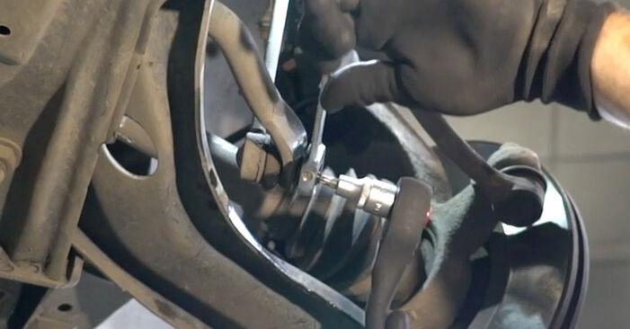 Wie schwer ist es, selbst zu reparieren: Koppelstange PEUGEOT 207 (WA_, WC_) 1.6 16V RC 2012 Tausch - Downloaden Sie sich illustrierte Anleitungen