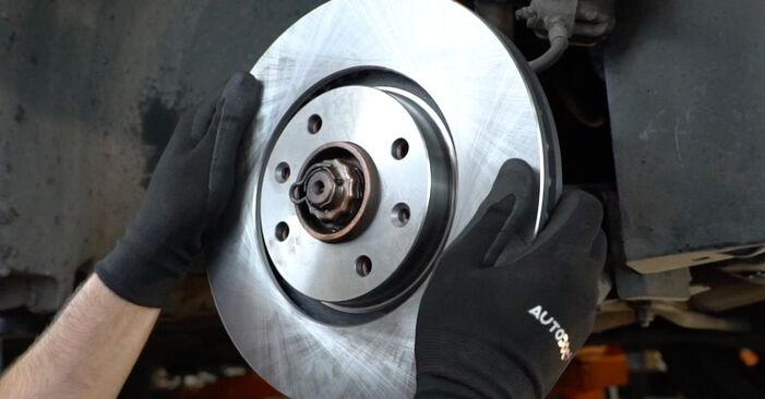 PEUGEOT 207 (WA_, WC_) 1.6 HDi 2008 Bremsscheiben austauschen: Unentgeltliche Reparatur-Tutorials