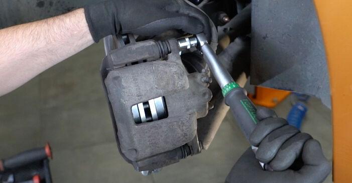 Wie man Bremsscheiben am PEUGEOT 207 (WA_, WC_) 2008 ersetzt - Hinweise und Ratschläge