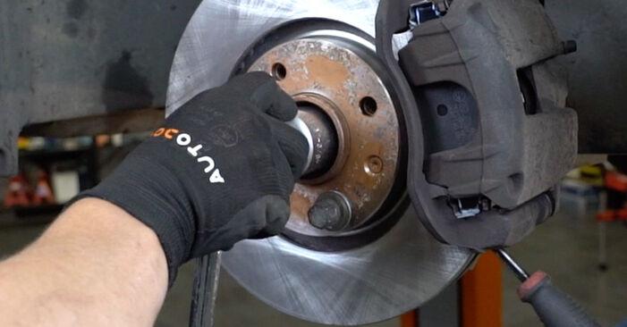 Wie schwer ist es, selbst zu reparieren: Radlager PEUGEOT 207 (WA_, WC_) 1.6 16V RC 2012 Tausch - Downloaden Sie sich illustrierte Anleitungen