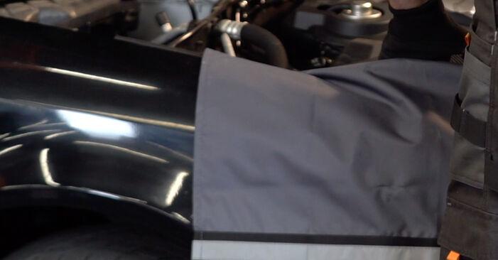 Wechseln Stoßdämpfer am AUDI A4 Avant (8E5, B6) 1.8 T 2003 selber