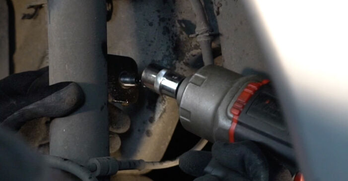 Changing Shock Absorber on CITROËN XSARA PICASSO (N68) 1.6 2002 by yourself