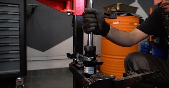 Stoßdämpfer beim VOLVO V50 2.5 T5 2010 selber erneuern - DIY-Manual