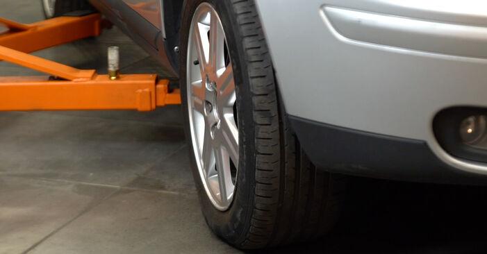 Wie schwer ist es, selbst zu reparieren: Stoßdämpfer Volvo v50 mw 2.4 D5 2009 Tausch - Downloaden Sie sich illustrierte Anleitungen