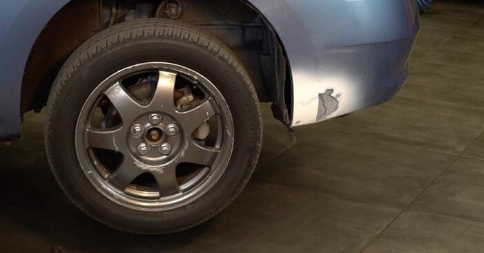 Schritt-für-Schritt-Anleitung zum selbstständigen Wechsel von Toyota Prius 2 2009 1.5 (NHW2_) Stoßdämpfer