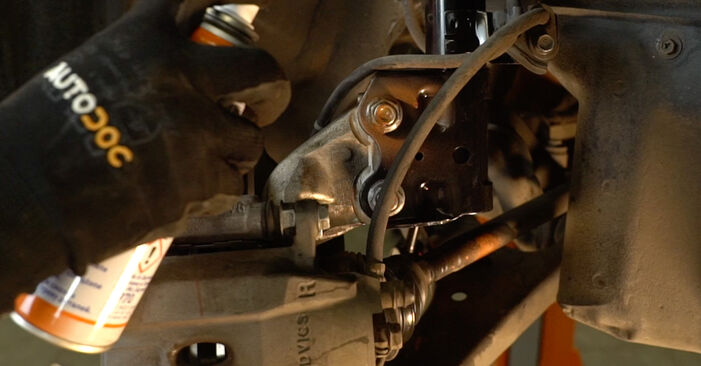 Toyota Prius 2 2006 1.5 (NHW2_) Amortizatorius keitimas savarankiškai