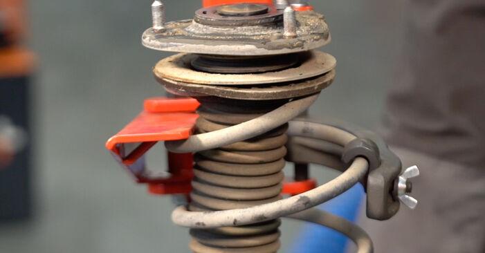 Wie schwer ist es, selbst zu reparieren: Stoßdämpfer Toyota Auris e15 1.33 Dual-VVTi (NRE150_) 2012 Tausch - Downloaden Sie sich illustrierte Anleitungen
