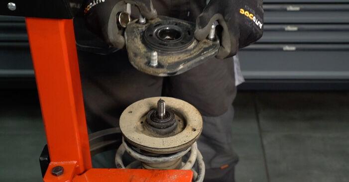 Austauschen Anleitung Stoßdämpfer am Toyota Auris e15 2009 1.4 D-4D (NDE150_) selbst