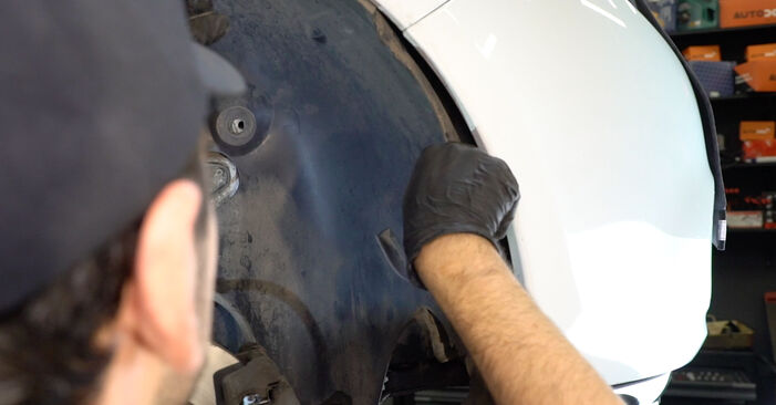 Hvor lang tid tager en udskiftning: Vandpumpe + Tandremssæt på Renault Clio 3 2013 - informativ PDF-manual