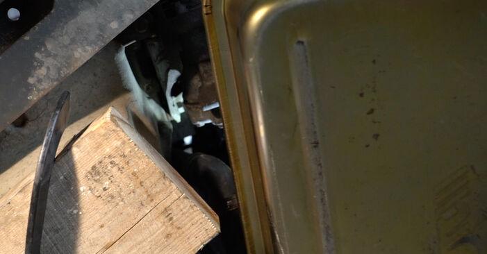 Udskiftning af Vandpumpe + Tandremssæt på RENAULT Clio III Hatchback (BR0/1, CR0/1) 2.0 16V Sport (CR0N, CR1P) 2008 ved gør-det-selv
