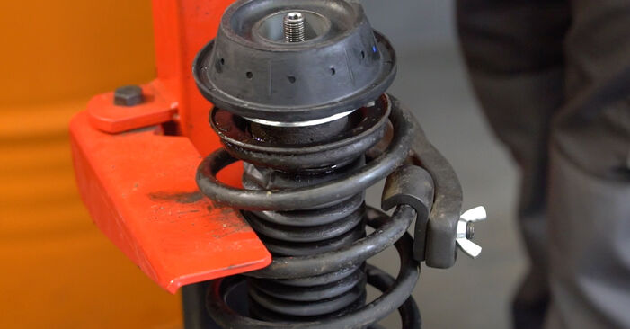 Changing Shock Absorber on VW GOLF III (1H1) 1.9 TDI 1994 by yourself