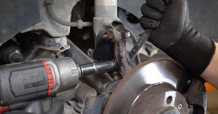 Kako zamenjati Ležaj Amortizerja na VW GOLF III (1H1) 1995 - nasveti in triki