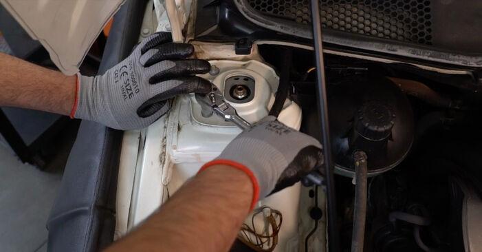 Stoßdämpfer Mercedes W245 B 170 1.7 (245.232) 2006 wechseln: Kostenlose Reparaturhandbücher