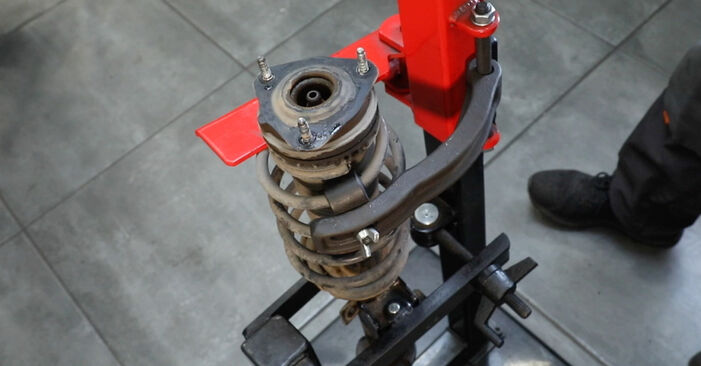 Wie Stoßdämpfer FORD Fiesta Mk5 Schrägheck (JH1, JD1, JH3, JD3) 1.4 16V 2002 austauschen - Schrittweise Handbücher und Videoanleitungen