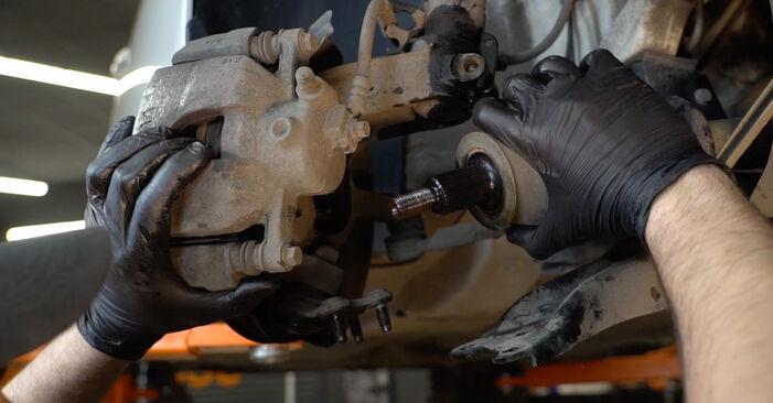 Wie lange benötigt das Auswechseln der Teile: Stoßdämpfer beim VW Polo 5 Limousine 2017 - Detailliertes PDF-Tutorial