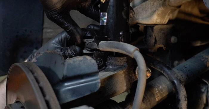 VW Polo Limousine (602, 604, 612, 614) 1.2 TDI 2011 Stoßdämpfer selbst wechseln - Handbuch online