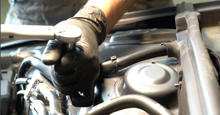 Tausch Tutorial Stoßdämpfer am AUDI A4 Limousine (8K2, B8) 2010 wechselt - Tipps und Tricks