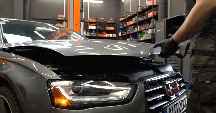 Wymiana Audi A4 B8 Sedan 1.8 TFSI 2009 Amortyzator: darmowe instrukcje warsztatowe
