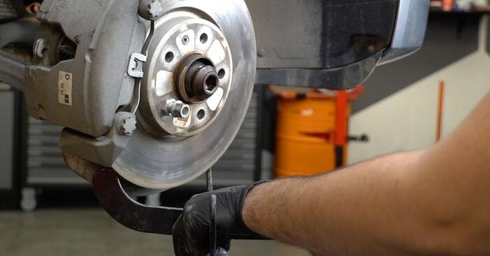 Schritt-für-Schritt-Anleitung zum selbstständigen Wechsel von Audi A4 B8 Limousine 2011 S4 3.0 quattro Stoßdämpfer