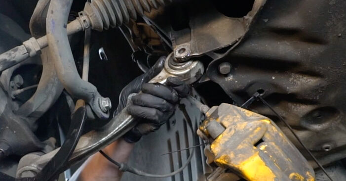 Step-by-step recommendations for DIY replacement BMW E60 2004 525d 3.0 Shock Absorber