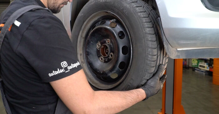 Tausch Tutorial Stoßdämpfer am FORD Fiesta Mk6 Schrägheck (JA8, JR8) 2020 wechselt - Tipps und Tricks