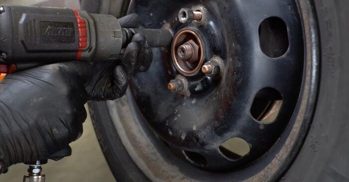 Schritt-für-Schritt-Anleitung zum selbstständigen Wechsel von Ford Fiesta ja8 2021 1.4 LPG Stoßdämpfer