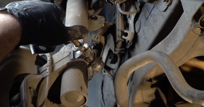 Tausch Tutorial Stoßdämpfer am BMW 1 Coupe (E82) 2006 wechselt - Tipps und Tricks