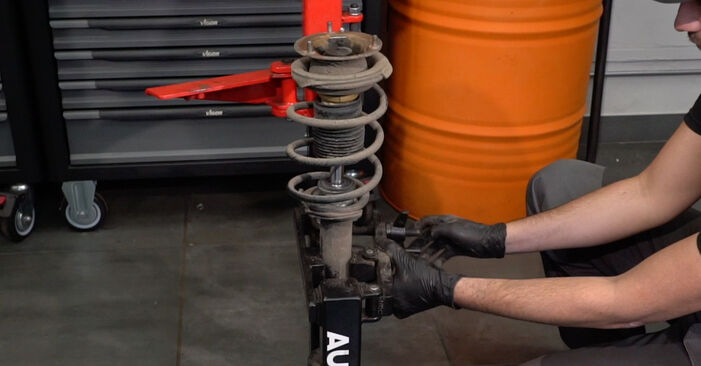 Wie BMW 1 SERIES 125i 3.0 2010 Stoßdämpfer ausbauen - Einfach zu verstehende Anleitungen online