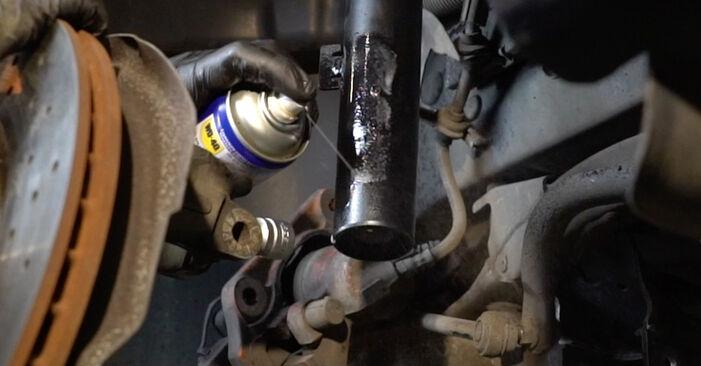 Cómo cambiar Amortiguadores en un BMW 1 Coupé (E82) 2006 - consejos y trucos