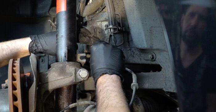 Stoßdämpfer BMW E82 135i 3.0 2008 wechseln: Kostenlose Reparaturhandbücher