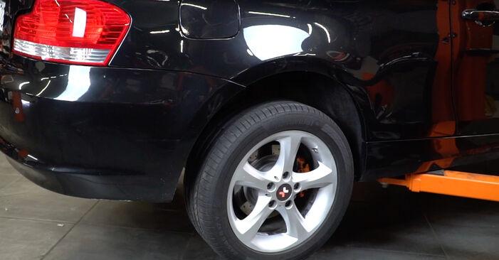 1 Coupe (E82) 125i 3.0 2011 Blazilnik DIY menjava, priročnik delavnice