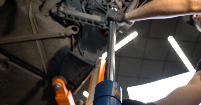 Byt BMW 1 SERIES 123d 2.0 Stötdämpare: guider och videoinstruktioner online