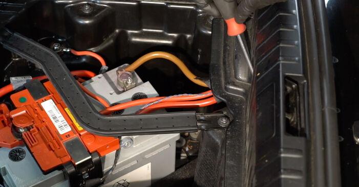 Byt Stötdämpare på BMW 1 Coupe (E82) 118d 2.0 2009 själv