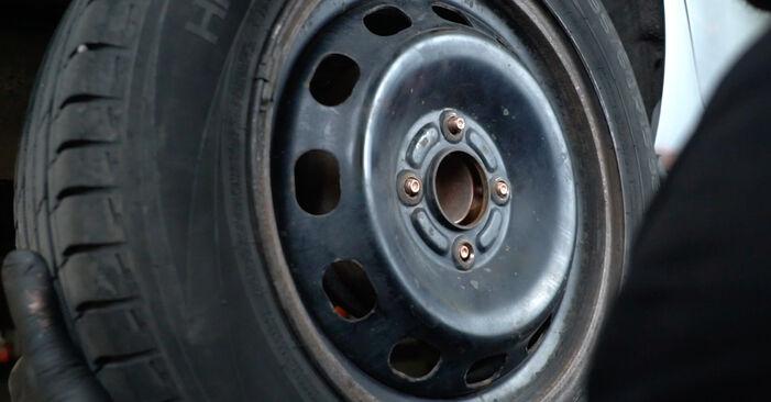Wie schwer ist es, selbst zu reparieren: Stoßdämpfer Ford Fiesta Mk6 1.4 2014 Tausch - Downloaden Sie sich illustrierte Anleitungen