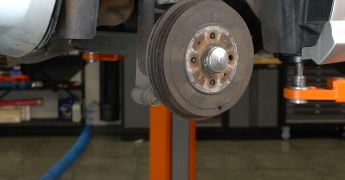 Come rimuovere FIAT GRANDE PUNTO 1.4 T-Jet 2012 Ammortizzatori - istruzioni online facili da seguire