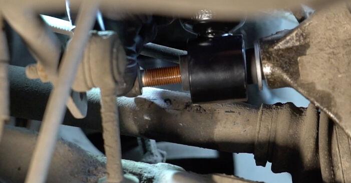 Kako odstraniti BMW 5 SERIES 525d 3.0 2005 Blazilnik - spletna, enostavna za sledenje, navodila