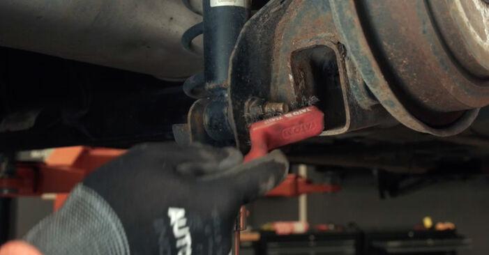 Austauschen Anleitung Stoßdämpfer am Ford Fiesta V jh jd 2001 1.4 TDCi selbst