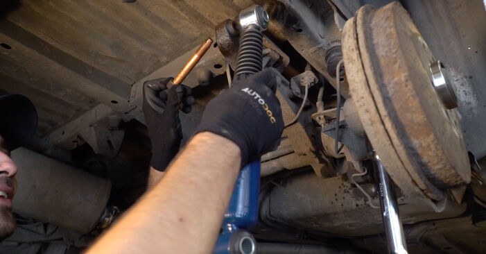 Step-by-step recommendations for DIY replacement Citroen Xsara Picasso 2012 1.6 16V Shock Absorber