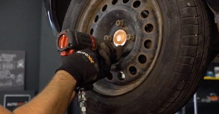 Zweckdienliche Tipps zum Austausch von Stoßdämpfer beim RENAULT CLIO II (BB0/1/2_, CB0/1/2_) 1.5 dCi 2012
