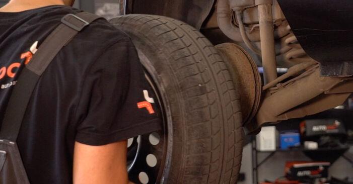 Stoßdämpfer Ihres Renault Clio 2 1.2 2006 selbst Wechsel - Gratis Tutorial