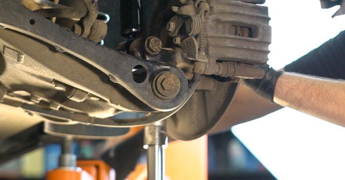 Schritt-für-Schritt-Anleitung zum selbstständigen Wechsel von Audi A4 B6 Avant 2003 2.5 TDI Stoßdämpfer