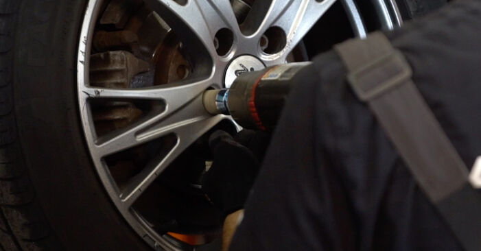 Changing Shock Absorber on AUDI A4 Avant (8E5, B6) 1.8 T 2003 by yourself