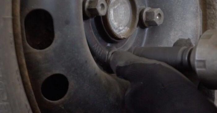 Mudar Amortecedor no Opel Corsa C 2008 não será um problema se você seguir este guia ilustrado passo a passo