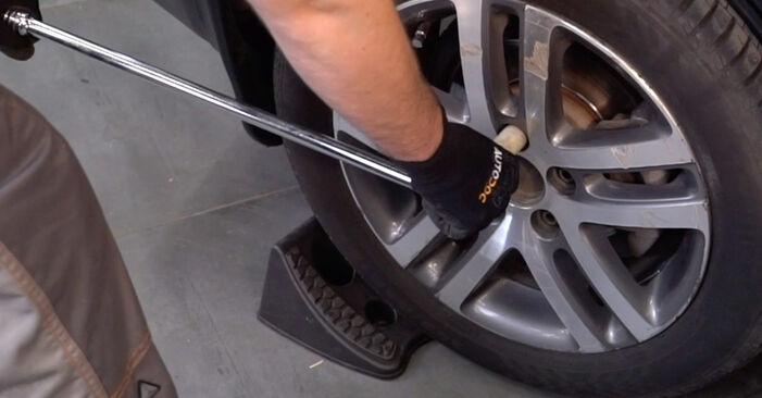 Cum să înlocuiți VW TOURAN (1T1, 1T2) 1.9 TDI 2004 Amortizor – manualele pas cu pas și ghidurile video