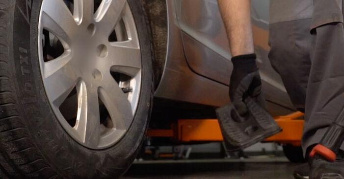 Wie schwer ist es, selbst zu reparieren: Stoßdämpfer Audi A6 4f2 3.0 TDI quattro 2010 Tausch - Downloaden Sie sich illustrierte Anleitungen