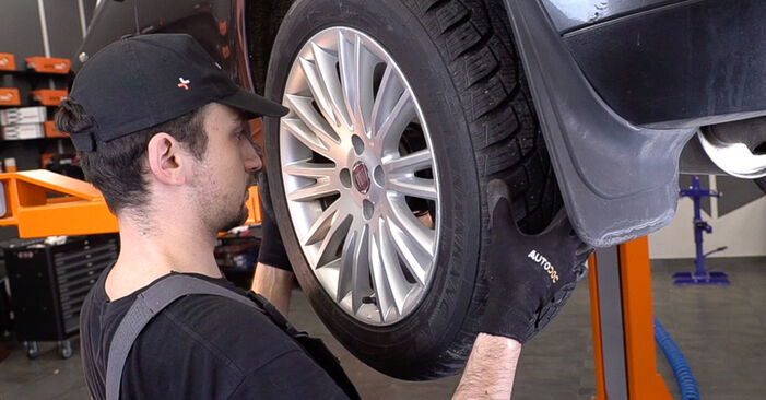 How to replace Shock Absorber on FIAT BRAVO II (198) 2011: download PDF manuals and video instructions