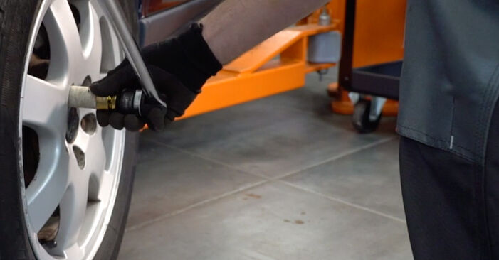 Stoßdämpfer beim VOLVO V70 2.4 2006 selber erneuern - DIY-Manual