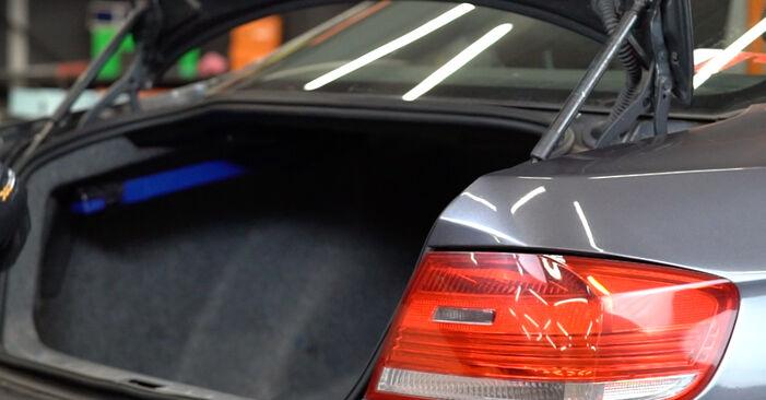 Как се сменя Амортисьор на BMW E92 2004 - безплатни PDF и видео уроци