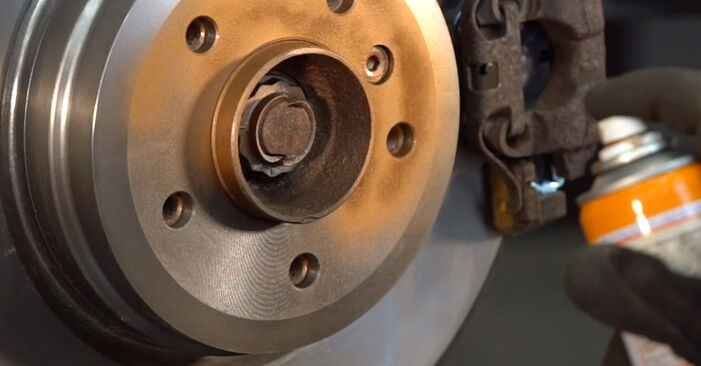 Как да демонтираме BMW 3 SERIES 325i 2.5 2008 Амортисьор - онлайн лесни за следване инструкции